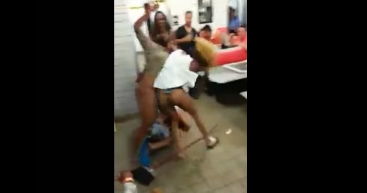 hot-girl-fight-stripper-arabs-sucking-toes